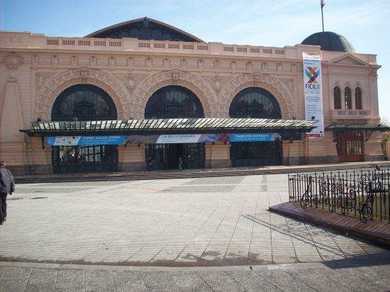 Estación de trenes de Mapocho (hoy una sala de exposiciones)