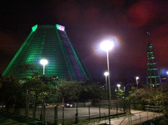 Catedral de Río de noche