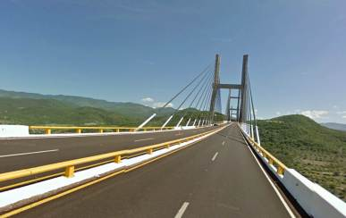 Puente en la carretera México - Acapulco