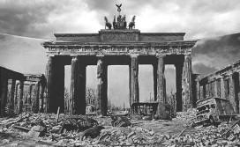 Puerta de Brandemburgo durante la segunda guerra mundial.