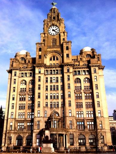 Royal Liver Building en el puerto de Liverpool