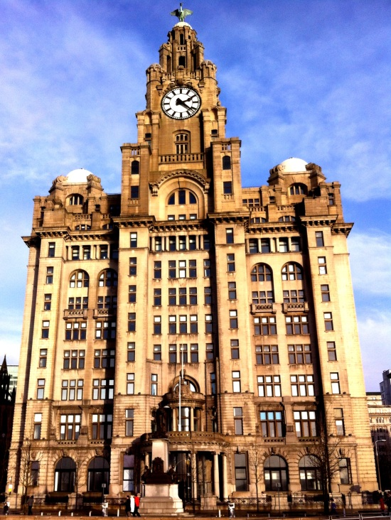 Royal Liver Building en el puerto de Liverpool
