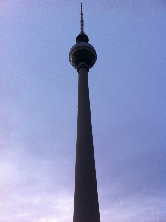 El Fernsehturm, una antena de Televisión en el centro de Berlín