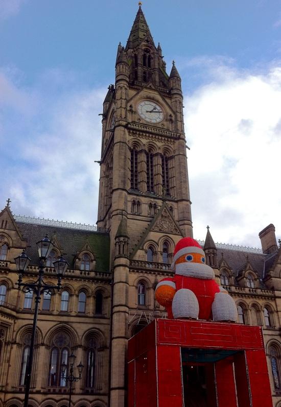 Palacio Municipal de Manchester decorado de Navidad