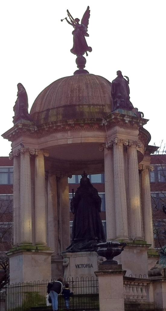 Monumento a la reina  Victoria en Liverpool