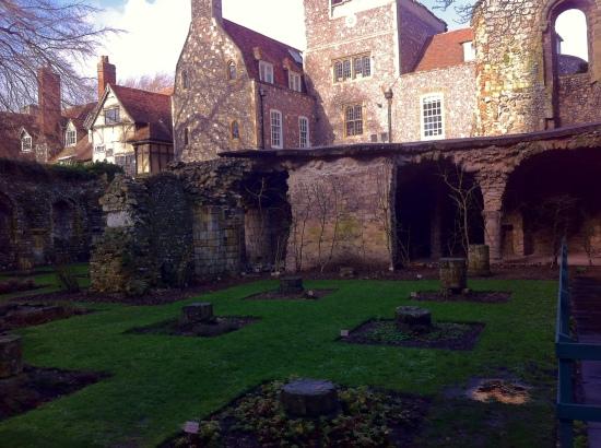 Jardines de la Catedral de Canterbury