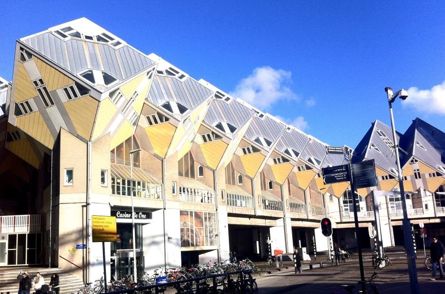 Kijk Kubus, casas cubo diseñadas en 1984.