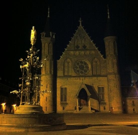 Vista del Ridderzaal, edificio usado por el parlamento de los Países Bajos