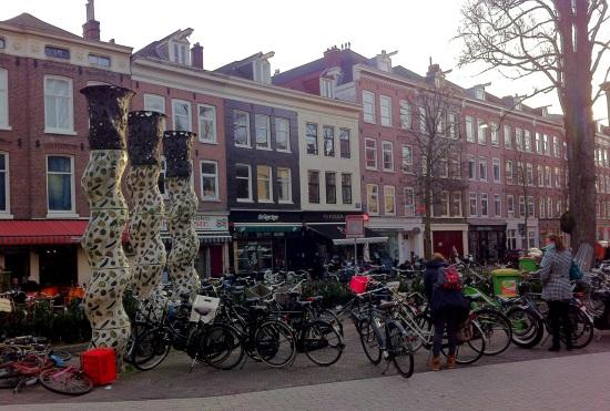Plaza de Ámsterdam (y sus cientos de bicicletas)
