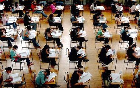 Sala de exámenes de alguna mi universidad en Londres