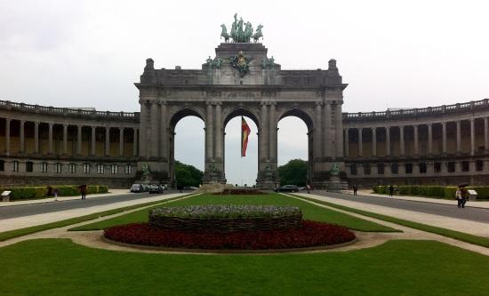 Arco del Cincuentenario de Bélgica, construído en 1880 para festejar los cincuenta años de la independencia del país.