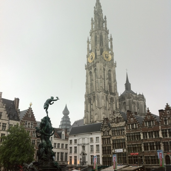 Grote Markt y Catedral, Amberes