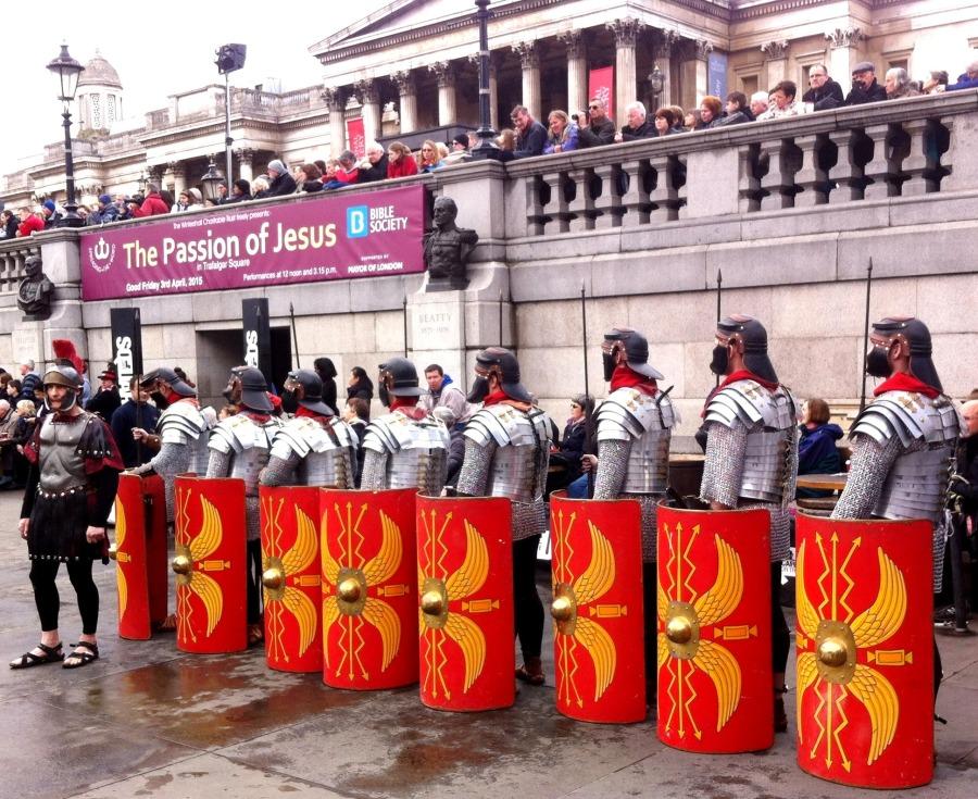 Guardia Romana en la representación de la Pasión de Cristo en Trafalgar Square, 2015