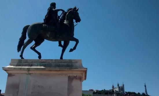 Luis XIV en la plaza central de Lyon