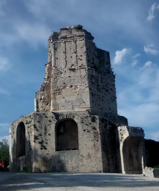 La Torre Magna en Nimes