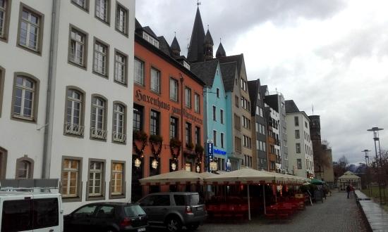 Colonia sobre el Río Rhin