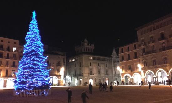 Plaza central del pueblo de Vic, Cataluña